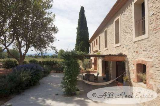 character house for sale in perpignan area languedoc roussillon south of france. Black Bedroom Furniture Sets. Home Design Ideas